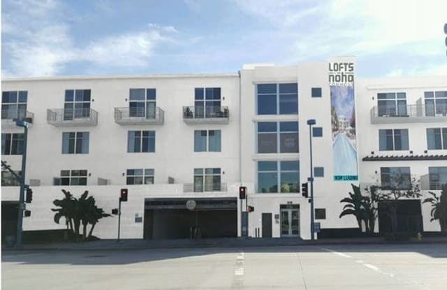 The Lofts at NoHo Commons - 11136 Chandler Blvd, Los Angeles, CA 91601