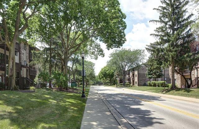 Emerald Pointe Apartments - 695 Westmoreland Dr, Vernon Hills, IL 60061