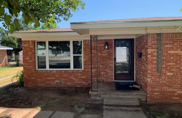 704 Lanham St - 704 Lanham Street, Midland, TX 79701