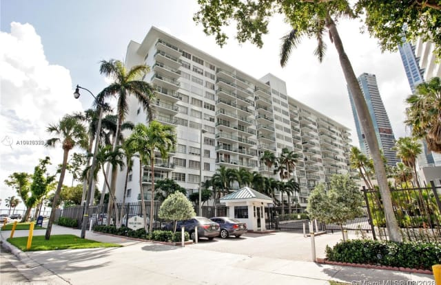 1408 Brickell Bay Dr - 1408 Brickell Bay Drive, Miami, FL 33131