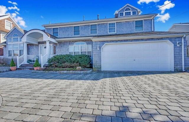 323 Cove Drive - 323 Cove Drive, Ocean County, NJ 08738