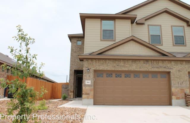 566 Creekside Circle - 566 Creekside Circle, New Braunfels, TX 78130