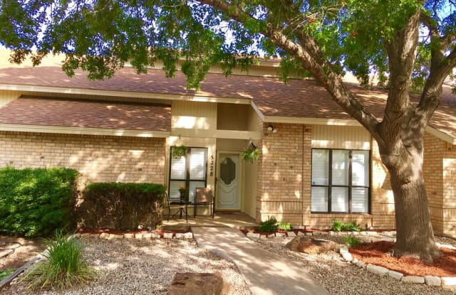 5228 Fairway Dr - 5228 Fairway Dr, San Angelo, TX 76904