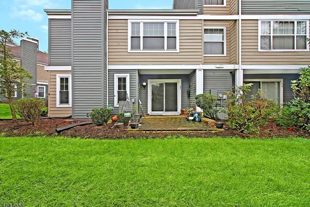 157 NORTHFIELD RD - 157 Northfield Road, Green Knoll, NJ 08807