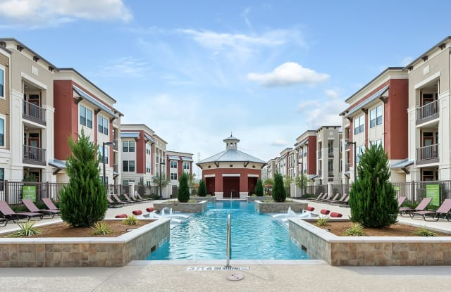 Dolce Living Home Town - 6100 Ashbury St, North Richland Hills, TX 76180