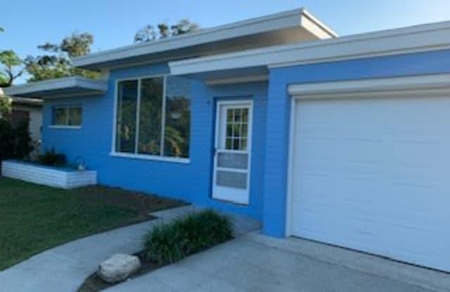 490 South Ridgewood Avenue - 490 South Ridgewood Avenue, Ormond Beach, FL 32174