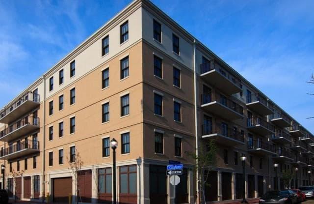 Nine 27 Apartments - 927 Poeyfarre St, New Orleans, LA 70130