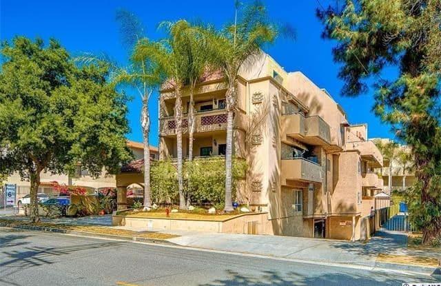 156 S Oak Knoll Avenue - 156 South Oak Knoll Avenue, Pasadena, CA 91101