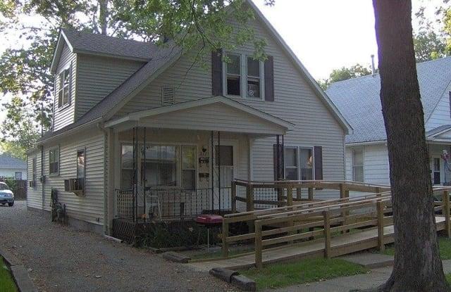 217 North English Avenue - 217 North English Avenue, Springfield, IL 62702
