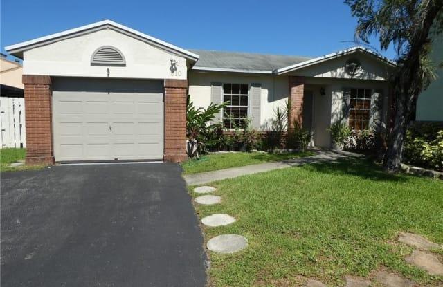 810 Cumberland Ter - 810 Cumberland Terrace, Davie, FL 33325