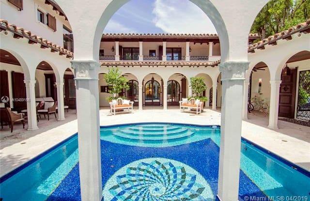 5396 N Bay Rd - 5396 North Bay Road, Miami Beach, FL 33140