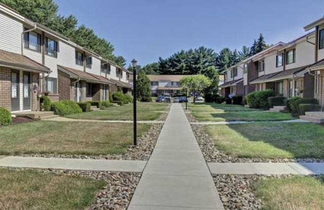 Ravenswood Apartments - 3674 Kent Rd, Stow, OH 44224
