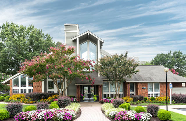 Broadmoor Apartment Homes - 9475 W Broad St, Henrico County, VA 23294