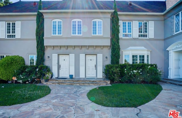 9555 W Olympic Blvd - 9555 West Olympic Boulevard, Beverly Hills, CA 90212