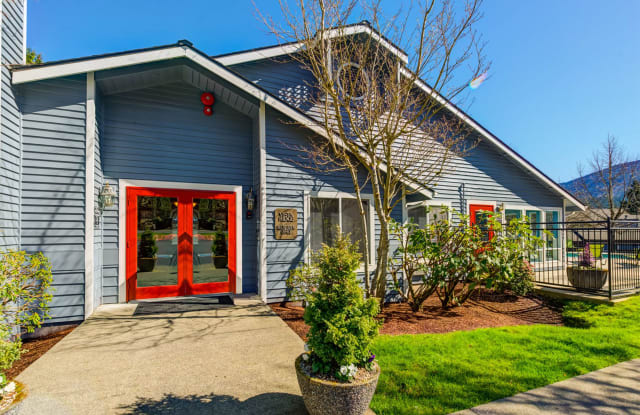 Vista Ridge Apartments - 201 Mt Park Blvd SW, Issaquah, WA 98027