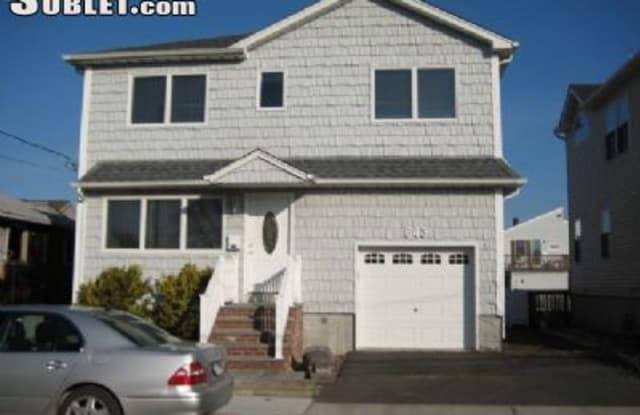 643 Lincoln Street - 643 Lincoln Street, Baldwin Harbor, NY 11510