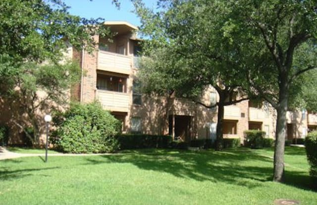 Oak Meadows - 1810 Teasley Ln, Denton, TX 76205