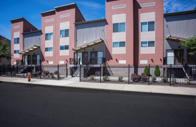 CircleEast Townhomes - 12509 Euclid Ave, East Cleveland, OH 44112