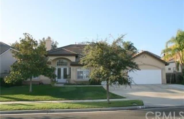 1048 La Vaughn Circle - 1048 La Vaughn Circle, Corona, CA 92881