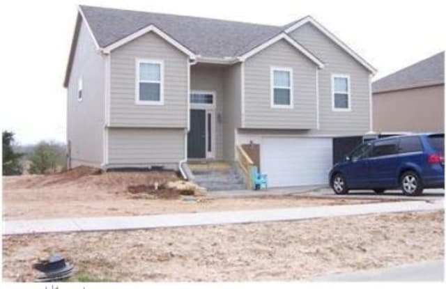 1509 Hickory Ln - 1509 Hickory Lane, Junction City, KS 66441