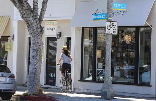 5840 Gregory Avenue - 5840 Gregory Avenue, Los Angeles, CA 90038