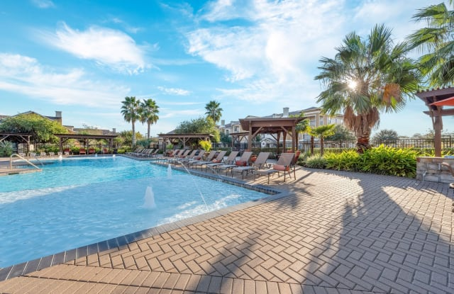 Grand Villas at Tuscan Lakes - 1800 S Egret Bay Blvd, League City, TX 77573