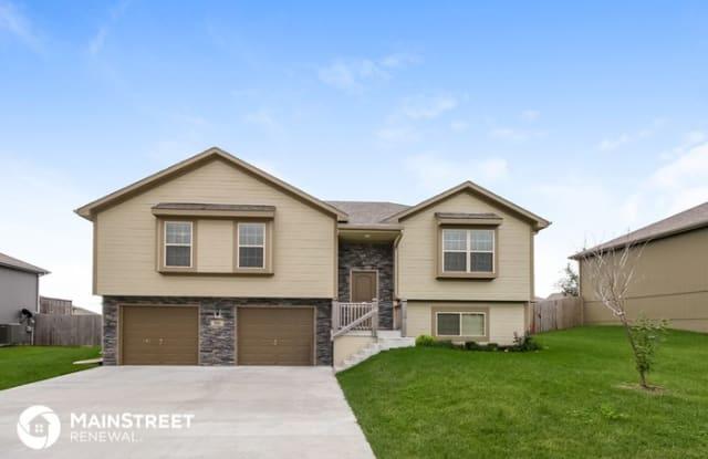501 192nd Street - 501 NE 192nd St, Smithville, MO 64089
