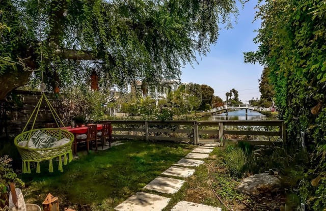 2331 GRAND CANAL - 2331 Grand Canal, Los Angeles, CA 90291