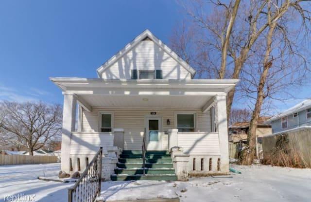 514 E Jackson St - 514 East Jackson Street, Bloomington, IL 61701