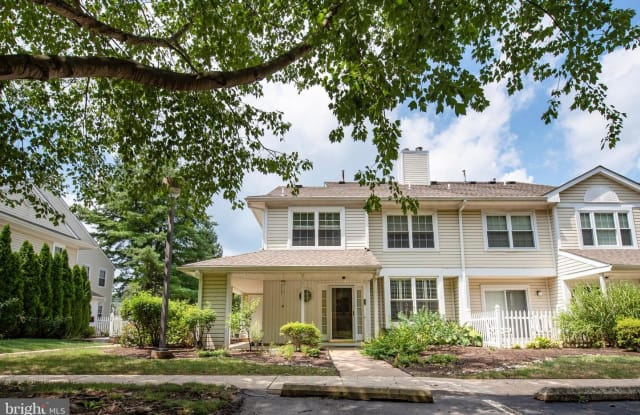 37 ASHLEY CT - 37 Ashley Court, Chester Heights, PA 19342
