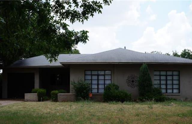 3105 Sherwood Lane - 3105 Sherwood Ln, Wichita Falls, TX 76308