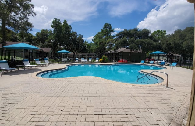 Candleglow Apartments - 1071 Candlelight Blvd, Brooksville, FL 34601