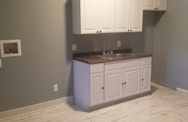 2330 East Madison Baltimore Md Apartments For Rent