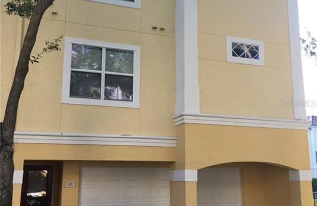 2012 LEGACY PALMS DRIVE - 2012 Legacy Club Drive, Maitland, FL 32751