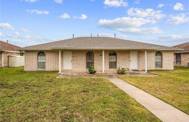902 Camellia Court B - 902 Camellia Court, College Station, TX 77840