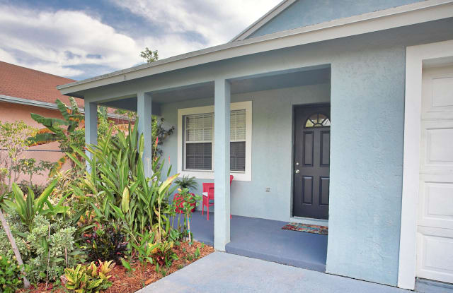 239 NW 4th Avenue - 239 Northwest 4th Avenue, Delray Beach, FL 33444