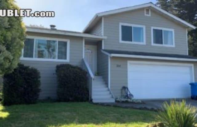 510 Ter Ave - 510 Terrace Avenue, Moss Beach, CA 94038