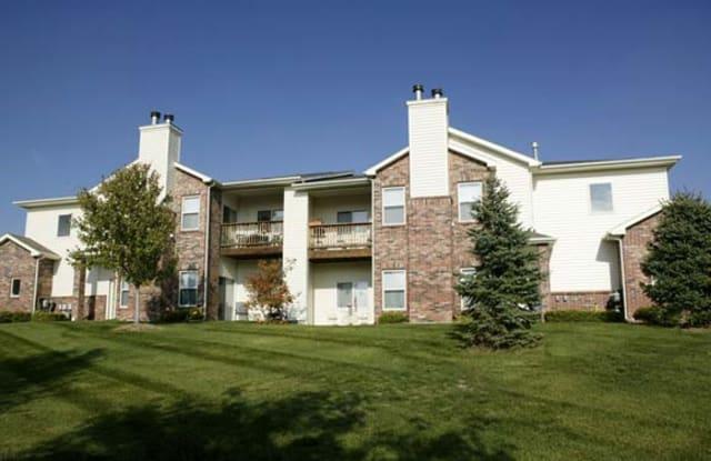 Crown Park by Broadmoor - 7930 Elm Plz, Omaha, NE 68124