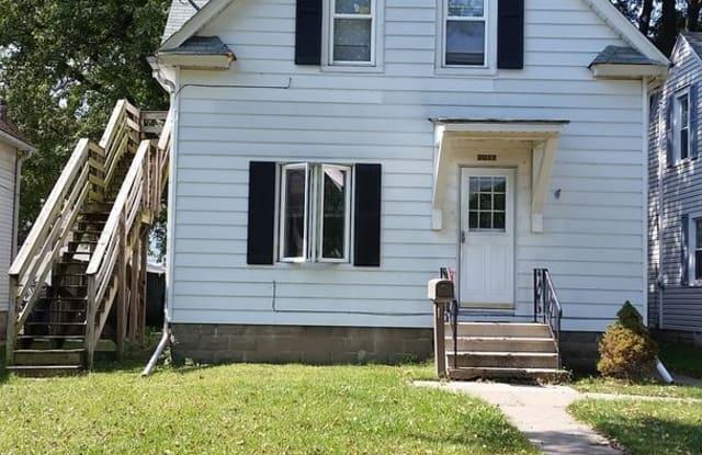 2017 14th Street - 2017 14th Street, Moline, IL 61265