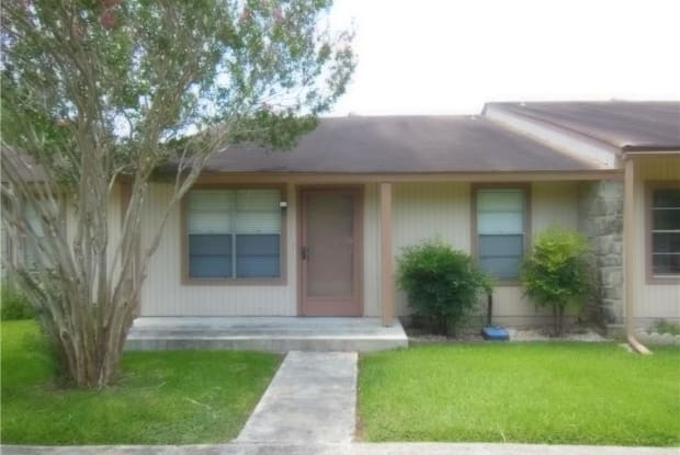 1051 Country Club #10 Drive - 1051 Country Club Drive, Seguin, TX 78155