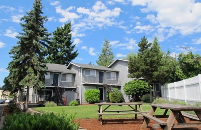 Crestwood Courts - 3830 SW Plum St, Portland, OR 97219