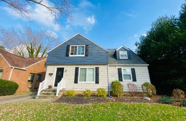 4341 W 215th St 2 - 4341 West 215th Street, Fairview Park, OH 44126