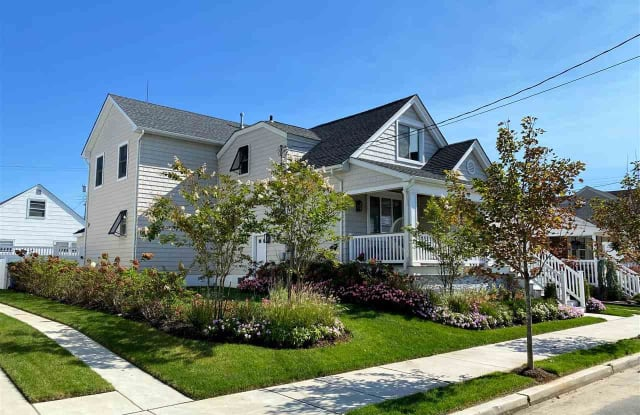 107 N Exeter Ave - 107 North Exeter Avenue, Margate City, NJ 08402