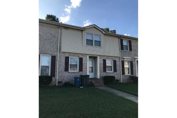 406 Kirkcaldy Court - 406 Kirkcaldy Ct, Fayetteville, NC 28314