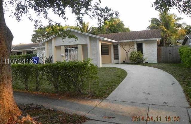 6514 Moseley St - 6514 Moseley Street, Hollywood, FL 33024