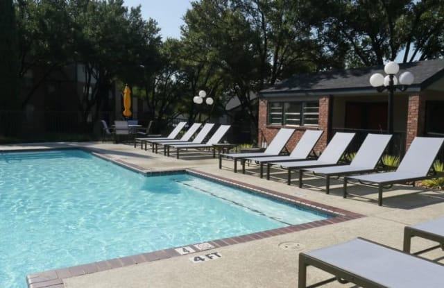 Trails of Towne Lake - 1147 Esters Rd, Irving, TX 75061