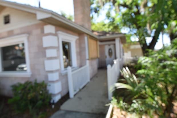 205 North Church Avenue - 2 - 205 N Church Ave, Mulberry, FL 33860