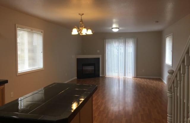 5740 SE Lexington Street - 5740 Southeast Lexington Street, Portland, OR 97206