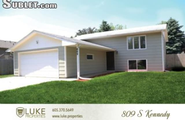 809 S Kennedy Ave - 809 South Kennedy Avenue, Sioux Falls, SD 57103