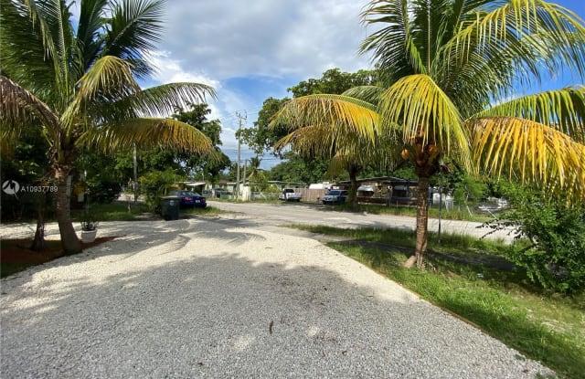 13510 5 avenue - 13510 Northwest 5th Avenue, North Miami, FL 33168